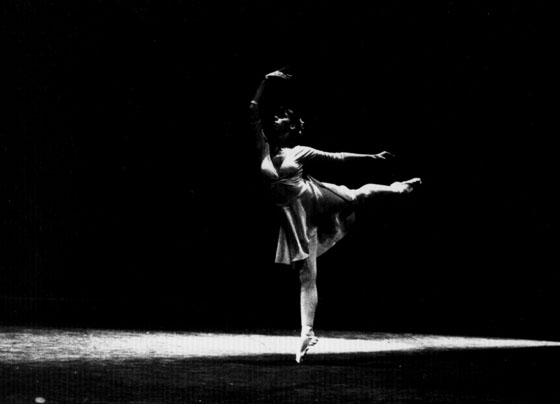 ballet negative effects on dancers essay Guidelines for viewing dance and writing critiques for dance performances by myra daleng, richmond department of theatre & dance (printable version here) chance favors a prepared mind a mind is like a parachute it works best when it's open.
